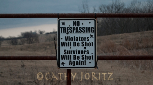 DSC_0874 no trespassing Kansas sign small